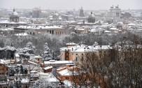 TREN İSTASYONU - Avrupa'da Soğuk Hava Dalgası Açıklaması7 Ölü