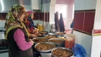 İÇLİ KÖFTE - Cumhurbaşkanının Teşekkür Ettiği Kadınlar, Mehmetçiğe Yemek Yapma Yarışında