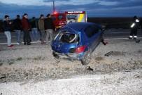GÖKTEPE - Direğe Çarpan Otomobil 2 Gence Mezar Oldu