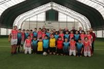 EROL AYDIN - Mahalleler Arası Futbol Turnuvası Şampiyonu Yenigün Oldu