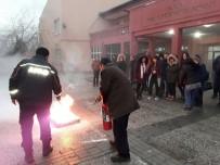 DOĞAL AFET - Öğretmen Ve İdarecilere Yönelik Yangın Tatbikatı