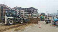 KANALİZASYON ÇALIŞMASI - Salihli'de Yeni Yerleşim Yerine Yeni Hat