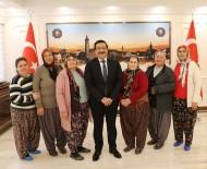 ARSLANKÖY - Arslanköy Kadınlar Tiyatro Topluluğu'ndan Başkan Atilla'ya Ziyaret