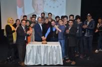 DOĞUM GÜNÜ PASTASI - Cumhurbaşkanı Erdoğan'ın Doğum Gününü Pasta Keserek Kutladılar