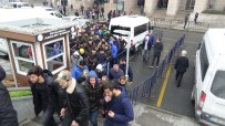 SPORDA ŞİDDET - Derbiye Meşale Sokan Taraftarlar, Futbol Müsabakalarını Seyirden Men Edildi