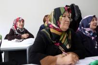 MIMARSINAN - Çocukluğunda İstemediği Okumayı, 86 Yaşında Öğreniyor