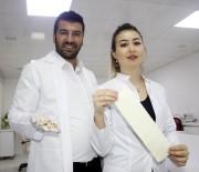 GENÇ GİRİŞİMCİLER - Türk Kimyagerler, TSK İçin Kanı Durduran Sargı Bezi, Yaraları İyileştiren Jel Üretti