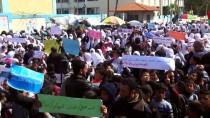 ÖĞRENCI İŞLERI - UNRWA Çalışanları ABD'nin Kararını Protesto Etti