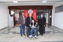 AKÜLÜ SANDALYE - Başkan Özakcan Bedensel Engelli Rabia'nın Yüzünü Güldürdü