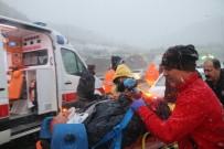 İZZET BAYSAL DEVLET HASTANESI - Bolu Dağı'nda Kaza Açıklaması 2 Yaralı