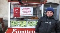 ALİ ÇETİNKAYA - Burhaniyeli Simitçi Günlük Kazancını Mehmetçik Vakfına Bağışladı