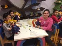 BEZ BEBEK - Çocuklar Oyuncak Müzesi'nde Kendi Bebeklerini Yapıyor