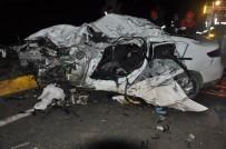 Karşı Şeride Geçen Araç Tırla Kafa Kafaya Çarpıştı Açıklaması 1 Ölü, 1 Yaralı
