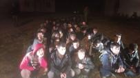 VAN GÖLÜ - Kaza Yapan Minibüsten Kaçak Şahıs Çıktı