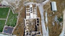 JEOLOJİ MÜHENDİSLERİ ODASI - Tarihi Ve Doğal Güzelliğin Buluştuğu Mekan Açıklaması 'Obruk Hanı'