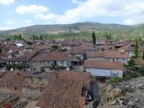 OTURMA EYLEMİ - Tokat'ın Günevi Köyüne 5 Gün Yasak Geldi