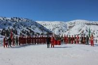 MILLIYETÇILIK - Kayak Severler Erzincan'da Mehter İle Karşılandı