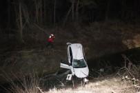Kontrolden Çıkan Otomobil Sulama Kanalına Uçtu Açıklaması 2 Yaralı