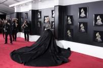 ŞARKICI - Lady Gaga Avrupa'daki Konserlerini İptal Etti