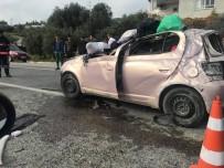 ONARIM ÇALIŞMASI - Mersin'de Trafik Kazası Açıklaması 1 Ölü, 2 Yaralı