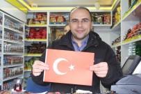MUSTAFA KAHRAMAN - MHP Tokat'ta Esnafa 2 Bin 'Türk Bayrağı' Dağıttı
