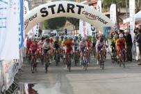 NURULLAH KAYA - Women Elite Yol Bisiklet Yarışı Başladı