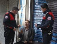 YUNUS TİMLERİ - 85 Yaşındaki Dedeyi Yardım Bahanesiyle Dolandırdılar