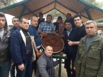 Adıyaman'dan Kilis'e Gelip Askerler İçin Çiğ Köfte Yoğurdular