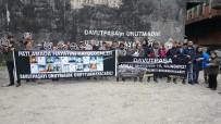 DAVUTPAŞA - Davutpaşa'daki Patlamada Ölen 21 Kişi Karanfillerle Anıldı