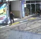 YEŞILKÖY - Emlakçıya Tüfekle Saldıran Ev Sahibinin Görüntüleri Ortaya Çıktı