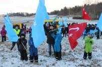 UYGUR TÜRKLERİ - Uygur Türkleri, Çin'i Protesto Etti