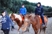 YARIYIL TATİLİ - Yarıyıl Tatilinde Kazak Vadisine Yoğun İlgi