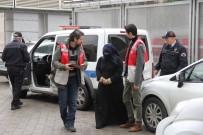 İSTİKLAL CADDESİ - 9 Cep Telefonunu Çalan Suriyeli Kadın Yakalandı