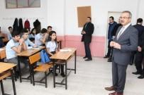 YARIYIL TATİLİ - Başkan Köşker, İlk Ders Gününde Öğrencileri Yalnız Bırakmadı