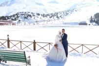 KAYAK SEZONU - Ergan Dağı Kış Düğünlerinin Vazgeçilmezi Oldu
