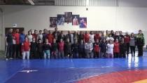 Kadın Güreş Milli Takımı Yalova'da Kampa Girdi