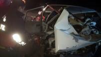 Otomobiller Hurdaya Döndü Açıklaması 3 Ölü, 1 Yaralı