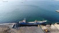 ( Özel)Zeytinburnu'nda Karaya Oturan Gemi Havadan Görüntülendi