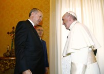 MINYATÜR - Papa'ya 'Mesnevi' hediye etti