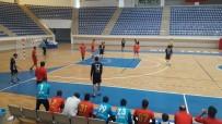 NUR TATAR - Van Erek Beş Yıldız Hentbol Takımı Liderliği Garantiledi