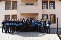KALDIRIM İŞGALİ - Başkan Asya, Zabıta Personelleriyle Bir Araya Geldi