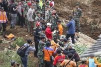 TOPRAK KAYMASI - Endonezya'da Toprak Kayması Açıklaması 4 Ölü
