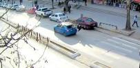 Erzincan'da Dikkatsiz Sürücülerin Yayalara Çarpması Kameralara Yansıdı