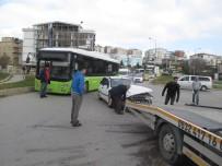 ESKIHISAR - Halk Otobüsüyle Otomobil Çarpıştı Açıklaması 2 Yaralı