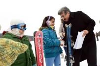 EMIN BILMEZ - Minik Kayakçılara Sertifika