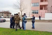 İNTERNET KAFE - Okul Çevresinde Uyuşturucu Hap Ele Geçirildi