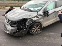 YEŞILKÖY - (Özel) Takla Atan Aracı, Trafikte Kalan Sürücüler Düze Çevirdi