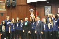 NEVZAT DOĞAN - Türkiye Şampiyonu Kızlar, Kupayı Meclise Taşıdı