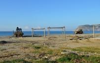ŞİDDETLİ YAĞIŞ - Alanya Belediyesi'nden Sahil Temizliği