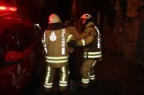 MAHSUR KALDI - Beyoğlu'nda Otelde Yangın Açıklaması 6 Yaralı
